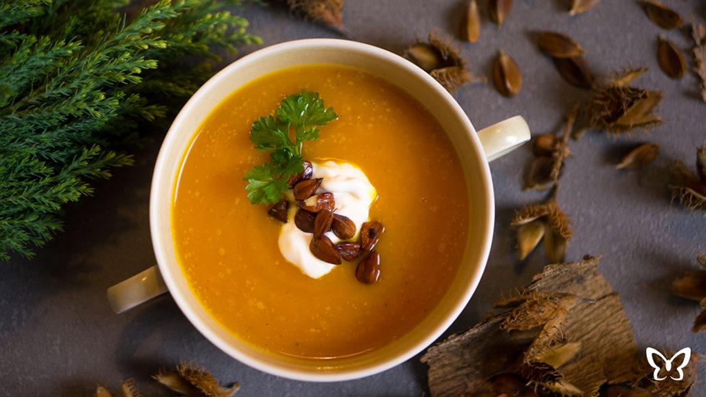 Hokkaido Kürbis Suppe mit Bucheckern