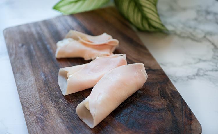 High Protein Snack - Putenröllchen mit Hüttenkäse